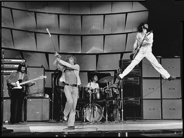 Pete Townsend Master of the AIR Guitar!