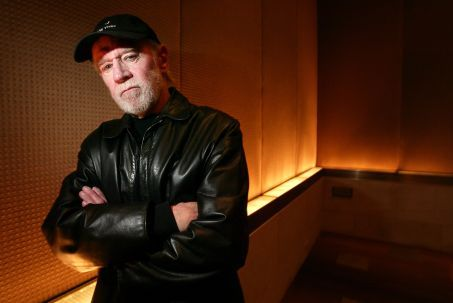 "** ADVANCE FOR WEEKEND, MARCH 25-28 **Actor and comedian George Carlin stands for a portrait in a New York hotel March 19, 2004. Carlin has a supporting role in the new film ""Jersey Girl."" (AP Photo/Gregory Bull)"